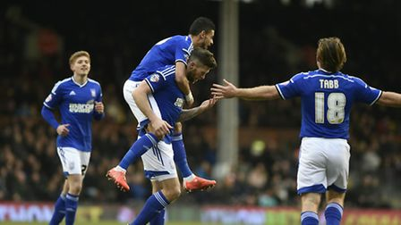 Daryl Murphy celebrates his first goal at Fulham