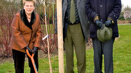 Jenny Briggs with two Sudbury in Bloom committee members, former Sudbury mayor John Sayers and Mr To