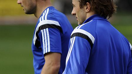Noel & Stephen Hunt during the warm-up at Charlton