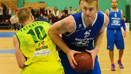 Leigh Greenan led the team with 19 points in London