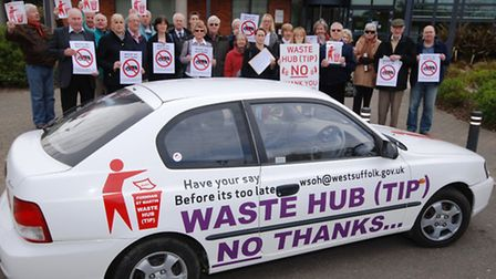 Campaigners deliver petitions with over 700 signatures against the Hollow Road Farm waste site propo