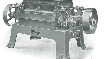 The Turner Two Roller Mill is a very early example of a horizontal rolling mill (1908)