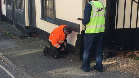 Engineers from suppilers Cadent working to disconnect gas suppilies in Eye following damage to a pip