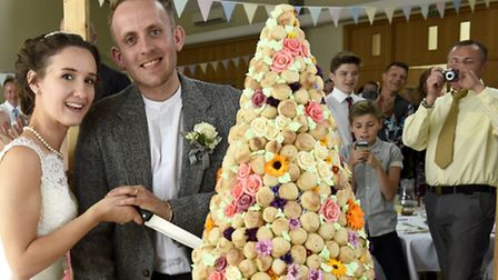 Dale Connelly and Catherine Scott tied the knot with the specially commissioned Pizza Express cake.