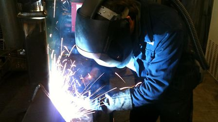UK manufacturing output has stalls, figures suggest.