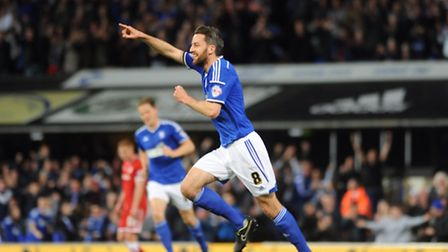 Ipswich Town FC v Cardiff FC. Sky Bet Championship. Cole Skuse scores for Town taking them to a 2-