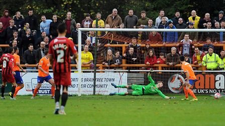 Braintree Town v Oxford United - FA Cup action. Oxford hit the post in the second half.