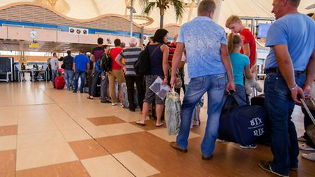Passengers line up to depart from Sharm el-Sheikh Airport on October 31, 2015. (Photo: AP Photo)