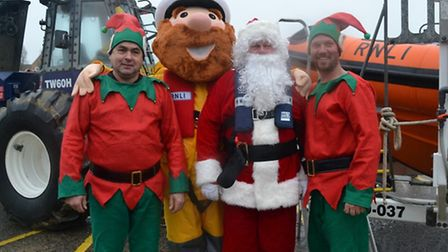 Santa arrives in Clacton by lifeboat
