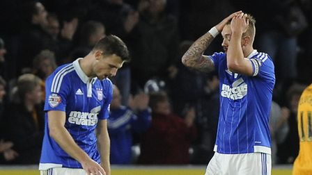 Luke Chambers' and Tommy Smith's reaction to the third Hull goal last night