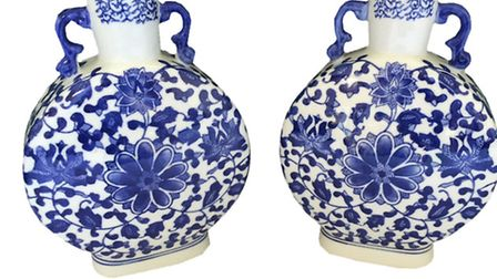 A pair of blue and white Chinese vases
