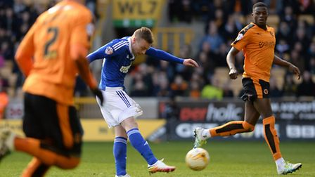 Freddie Sears shoots off target at Wolves during the second half