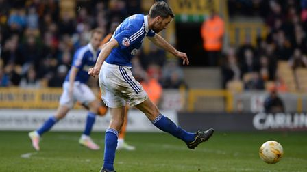Cole Skuse failed to score, or provide an assist, in 2015/16
