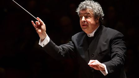 Semyon Bychkov conductor of ther Britten-Pears Orchestra