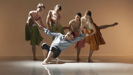 Richard Alston Company will be premiering new work at Snape maltings as part of Britten Dances