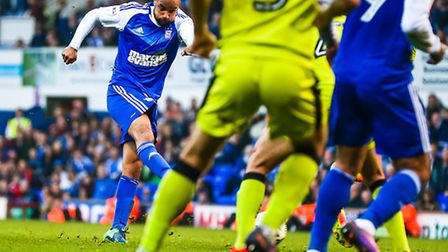 David McGoldrick levels the score at 2-2 with the final kick of the Ipswich Town v Rotherham United