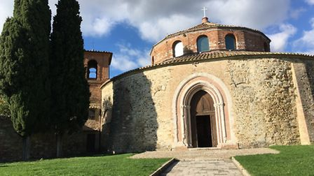 Charlotte Travel Umbria. One of the many beautiful churches in Perugia.