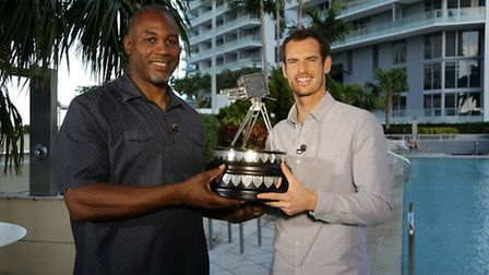 Lennox Lewis presents the 2016 Sports Personality of the Year award to Andy Murray. Photo: Alberto T