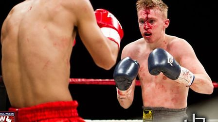 Joe Le Maire had to battle a forehead cut for the second straight fight, in Las Vegas. All photos: J