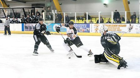 Chelmsford Chieftains Vs Oxford City Stars in the NIHL S1 at Riverside on 26/11/16. Final Score: Che