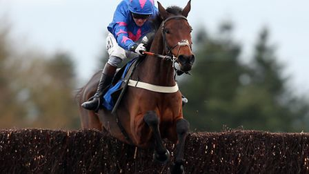 Theatre Guide, last year's winner, goes for a repeat in today's BetBright Chase at Kempton Park.