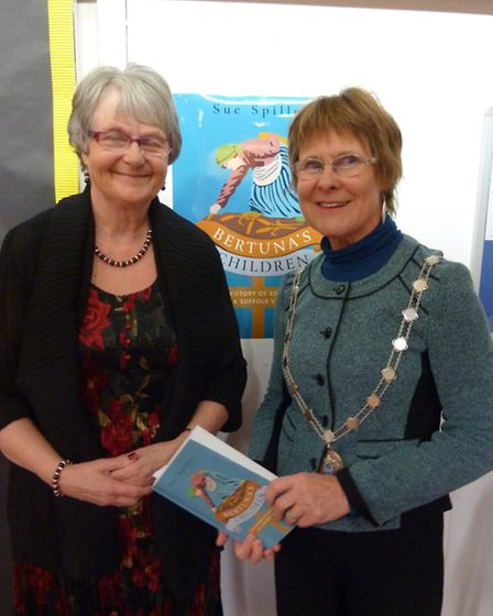 Sue Spiller, the book, and Julia Wakelam, mayor of St Edmundsbury, at Great Barton Church of England