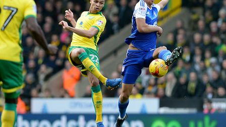 Myles Kenlock tries to close down Jacob Murphy Picture Pagepix