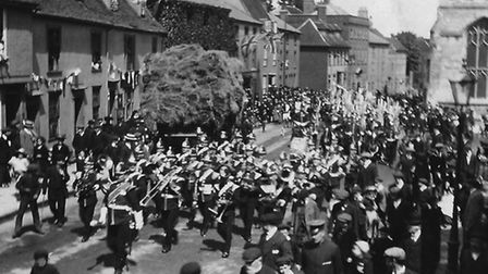 Suffolk Regiment or Yeomanry, Crown Street, Bury St Edmunds c.1915. Photo: Courtesy of Martyn Taylor