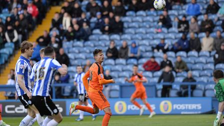 Andre Dozzell scores on his debut at Sheffield Wednesday
