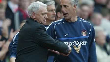 Sir Bobby Robson (left) shakes hands with then-Sunderland manager Mick McCarthy, ahead of Newcastle'