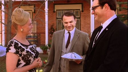 Sam Neill introduces Patrick Warburton to the people of Parkes in The Dish, the Australian film abou