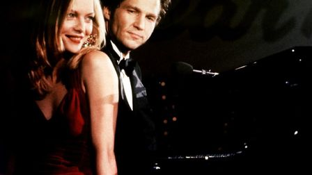 Michelle Pfeiffer and Jeff Bridges in the comedy-drama The Fabulous Baker Boys about two warring bro