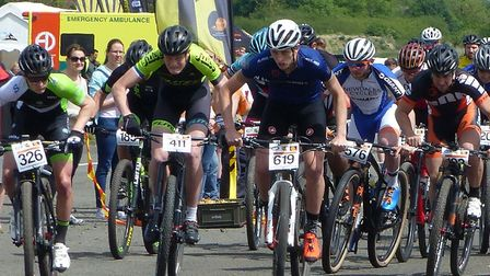 The Senior Men's start at Carver Barracks including Ipswich riders Liam Manser (326) and Paddy Atkin