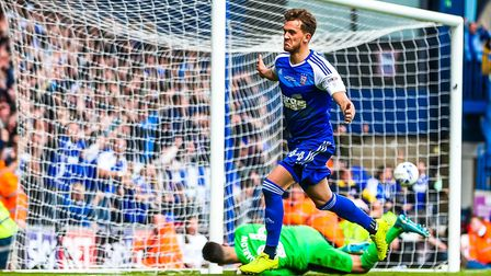 Emyr Huws looks set to sign for Town
