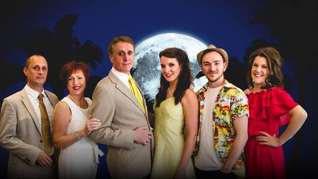 Dirty Rotten Scoundrels (l-r) Paul Stone, Stephanie Brown, Martin Leigh, Tom Mayhew, Laura Lucock, E