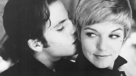 Stephen Dorff and Sheryl Lee as Stuart Sutcliffe and Astrid Kirchherr in Backbeat, the story of The