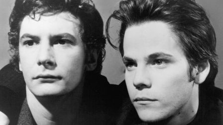 Ian Hart and Stephen Dorff as John Lennon and Stuart Sutcliffe in Backbeat, the story of The Beatles