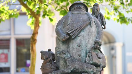The Grandma statue in Ipswich town centre that honours adopted son of Suffolk Carl Giles. Picture: G
