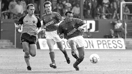 Simon Milton in action for Town, at Oxford, in 1989