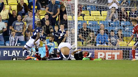 Tom Elliott equalises for Millwall making the score 3-3 against Ipswich Picture Pagepix