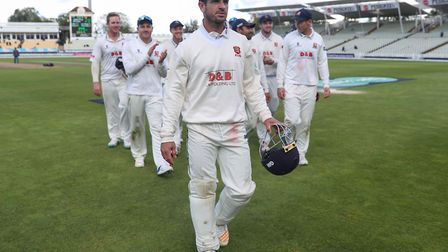 Essex captain Ryan ten Doeschate leads his team off after beating Warwickshire in the Specsavers Cou