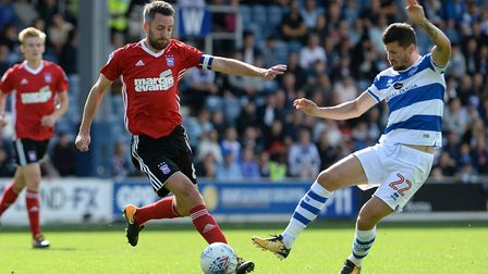 Cole Skuse beats Pawel Wszolek to the ball during the first half Picture Pagepix