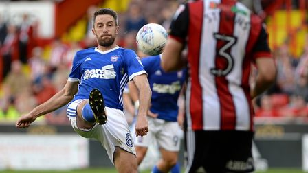 Cole Skuse tries to keep a late attack flowing at Sheffield United Picture Pagepix