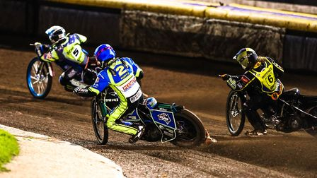 Rory Schlein leading Todd Kurtz and Nathan Greaves during heat six of the Sheffield v Ipswich play-o