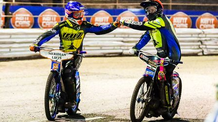 Kyle Newman and Cameron Heeps celebrate their 5-1 in heat five. PICTURE STEVE WALLER WWW.STEP