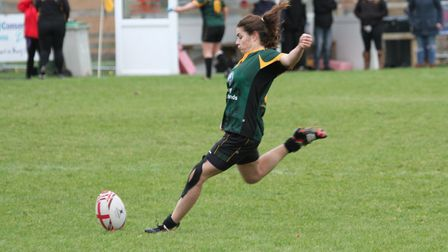 Danni Lee had a fine game for the Foxes with the boot. Picture: SHAWN PEARCE