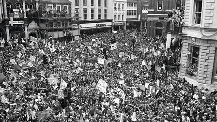 Huge crowds formed on the Cornhill to welcome the Town team and the FA Cup. Picture: ARCHANT