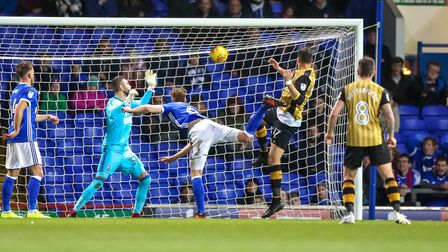 Atdhe Nuhiu scores an injury time equaliser for Sheffield Wednesday. Picture: STEVE WALLER WW