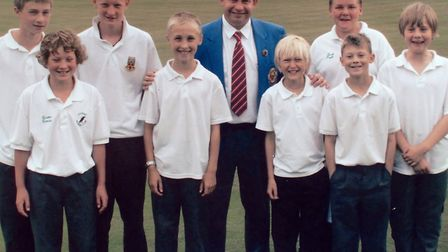 The 2006/11 youngsters with Greg Harlow, current World No.2, at the 2007 event organised by Mark Roy