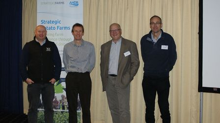 SPot East conference speakers Andrew Francis of Elveden Estate with AHDB's Mark Stalham (common scab